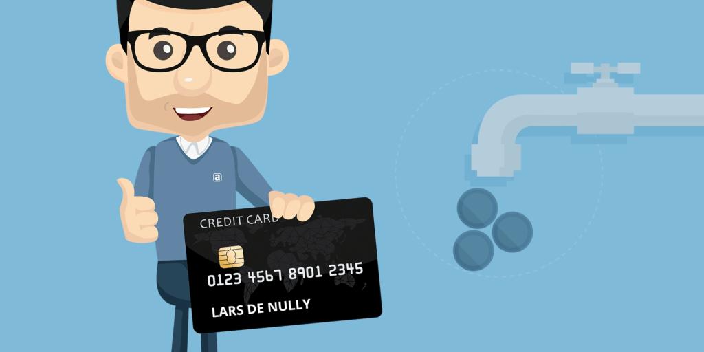 Lars de Nully står med et kreditkort
